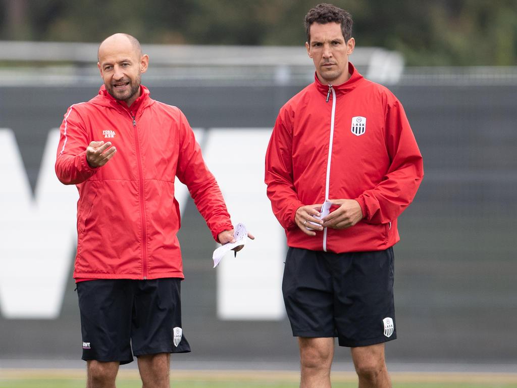 Stephan Helm (li.) und Emanuel Pogatetz bilden das neue Trainer-Duo des SKN St. Pölten