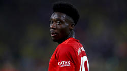 Alphonso Davies hat eine deftige Geldstrafe vom FC Bayern kassiert