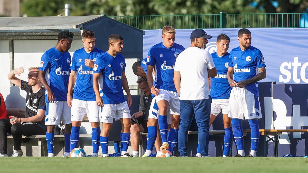 Levent Mercan (3.v.l.) wird den FC Schalke 04 wohl verlassen