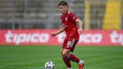 Der FC Bayern möchte wohl Nemanja Motika an den Verein binden