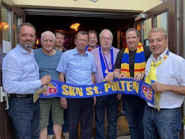 Landthaler, Reichard, Mayer, Hintermeier, Walter, Harauer, Burger und Sterle (von links nach rechts)