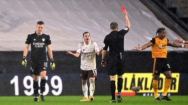 Bernd Leno (l.) sah die Rote Karte gegen die Wolverhampton Wanderers