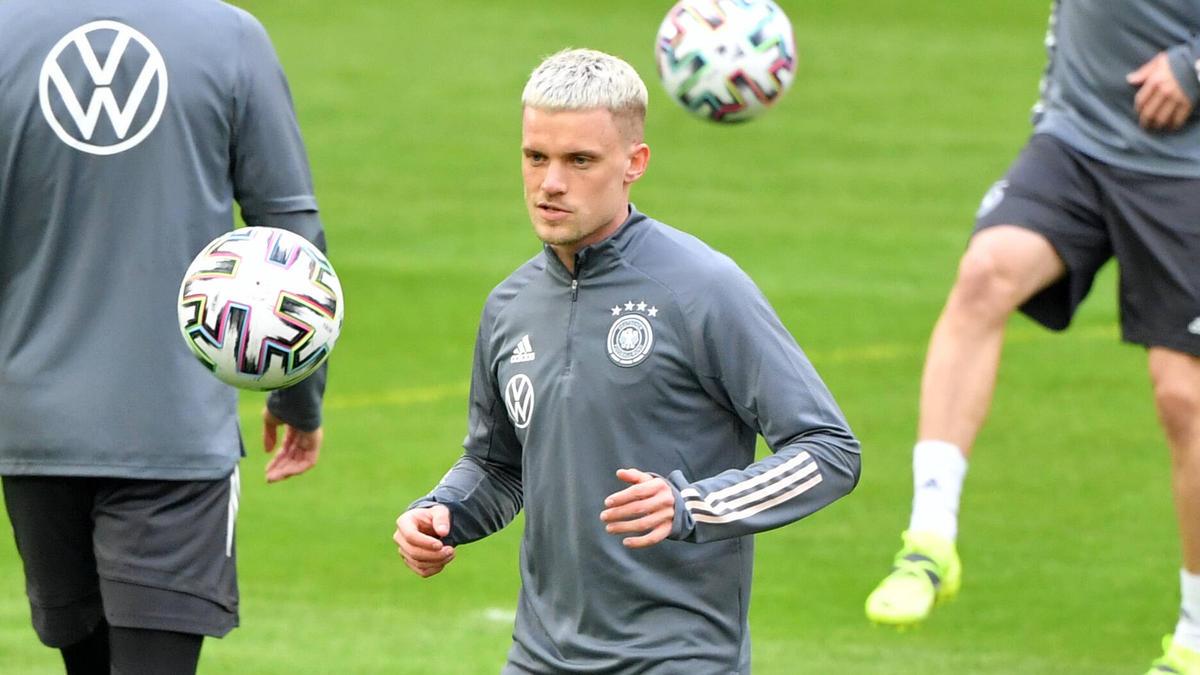 Philipp Max denkt an den FC Schalke 04