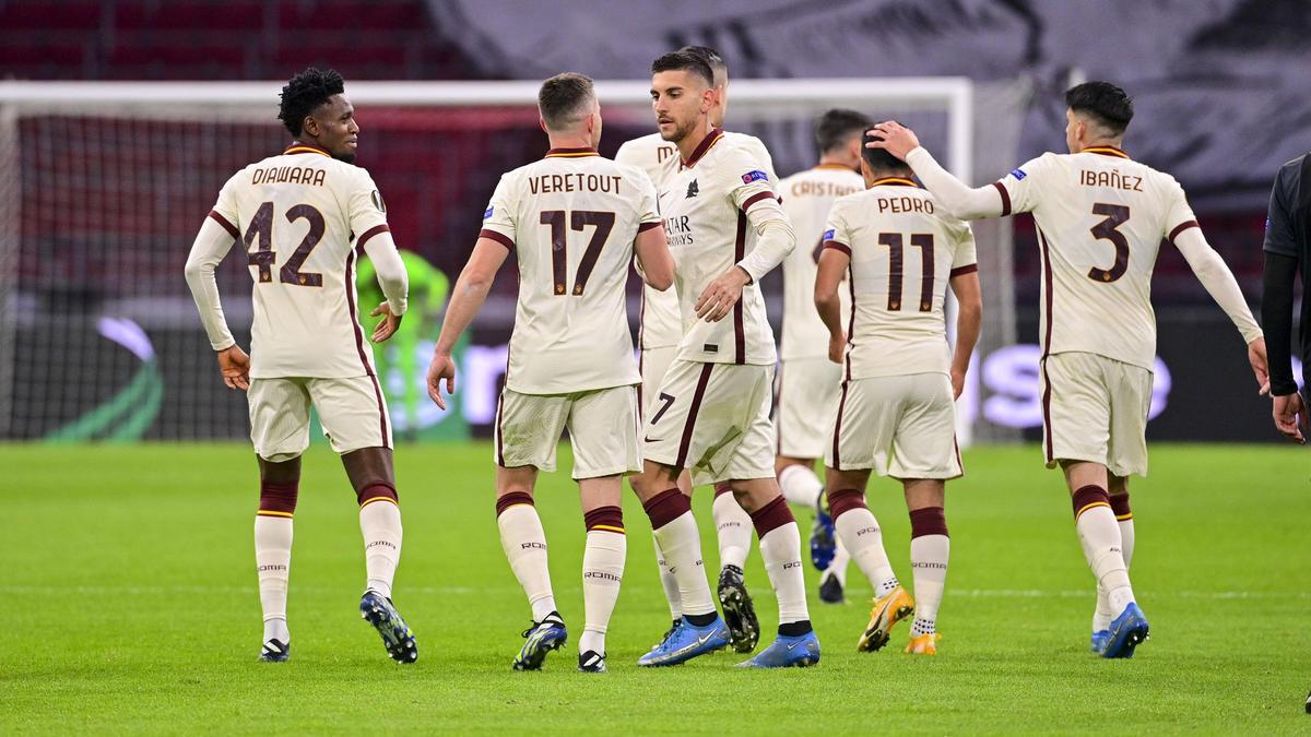 Die Roma hat bei Ajax Amsterdam einen wichtigen Sieg gefeiert