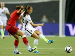 Alex Morgan en un partido de la selección americana contra Alemania. (Foto: Getty)