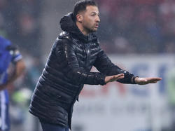 Domenico Tedesco verteidigt die Spielweise von Schalke 04