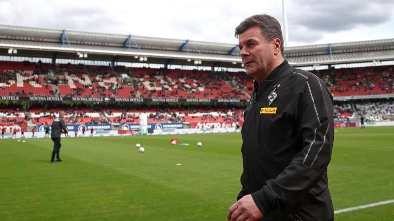 Trainer Dieter Hecking muss Borussia Mönchengladbach verlassen