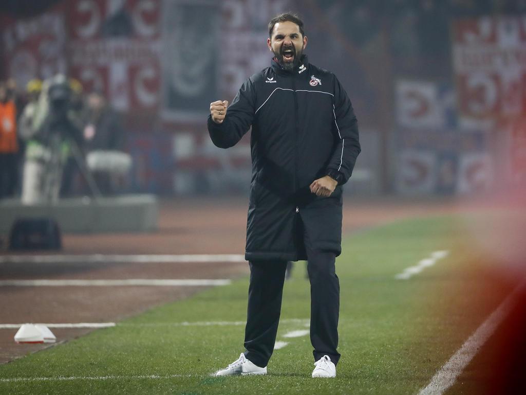 Ruthenbeck trainiert die Kölner Profis seit Anfang Dezember