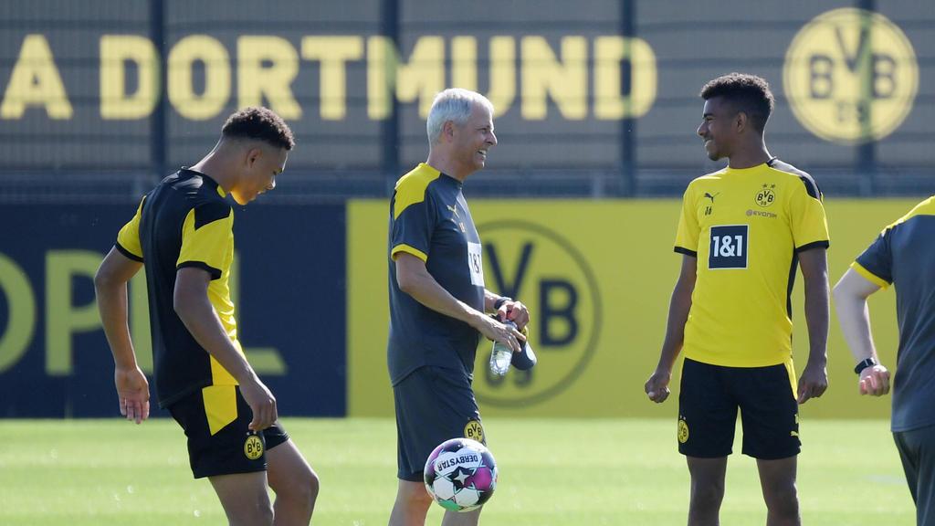 Collins (l.) und Knauff (r.) wollen BVB-Trainer Favre mit Leistung im Training beeindrucken