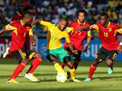 Afrika-Cup 2013: Allein gegen drei
