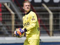 Mike Havekotte maakt speelminuten tijdens het oefenduel FC Oss - Excelsior (11-07-2015).