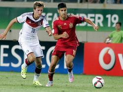 Mikel Merino (r.) im Dress von Spaniens U19