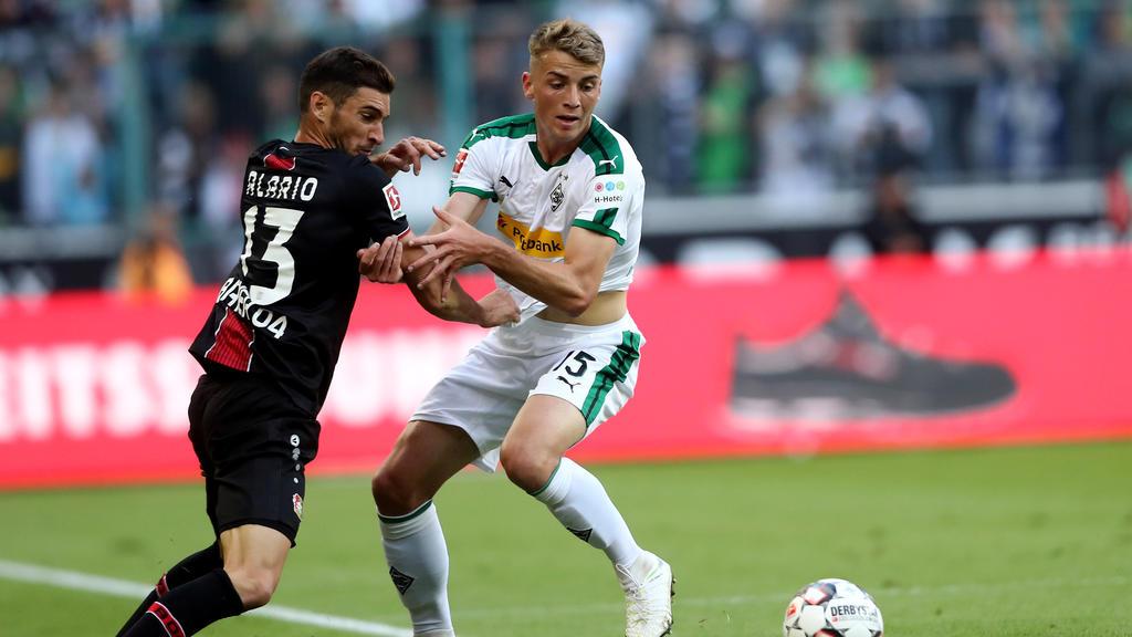 Bayers Lucas Alario kam gegen Gladbachs Beyer am 1. Bundesliga-Spieltag nicht immer vorbei