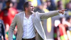 Augsburgs Trainer Manuel Baum arbeitet bis zu 100 Stunden pro Woche