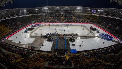 Über 30.000 Zuschauer kamen in das Stadion zum sächsischen Derby in der DEL2
