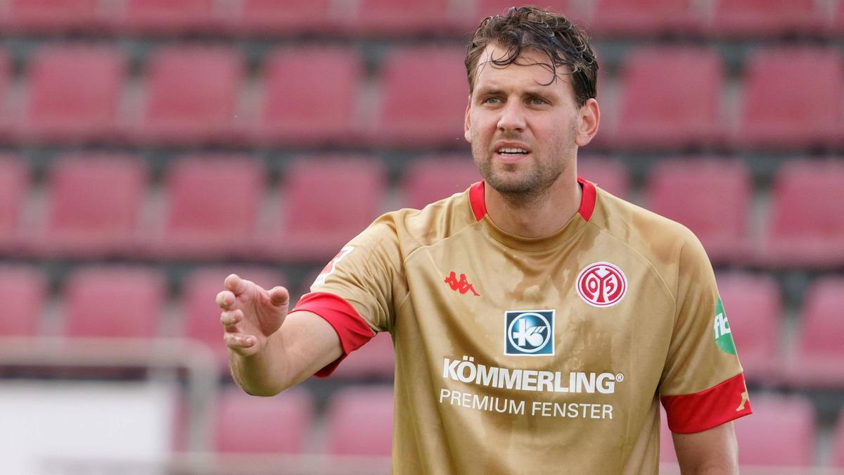 Der FSV Mainz hat Ádám Szalai vor die Tür gesetzt