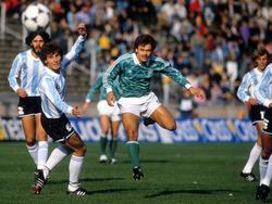 Olaf Thon im Länderspiel gegen Argentinien 1988