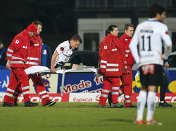 Daniel Drescher musste gegen Mattersburg vom Roten Kreuz hinausgeführt werden