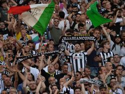 De supporters van Juventus vieren de winst van de Coppa Italia. In de finale werd AC Milan na verlenging met 1-0 verslagen. (21-05-2016)