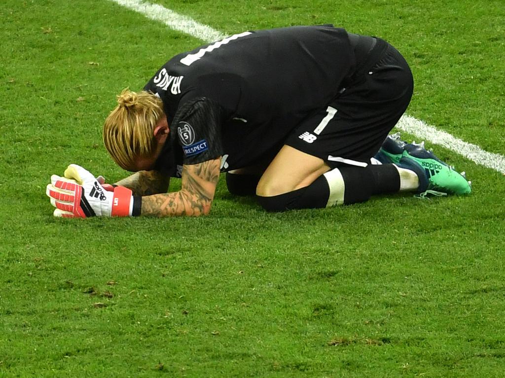 Torwart Loris Karius von FC Liverpoolpatze im Champions-League-Finale schwer