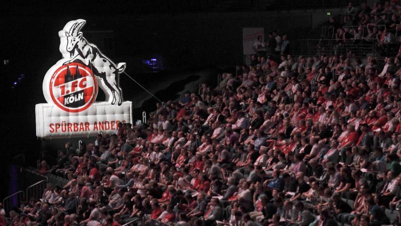 Den Mitgliedern des 1. FC Köln wurde eine gute wirtschaftliche Bilanz . Foto: Henning Kaiser