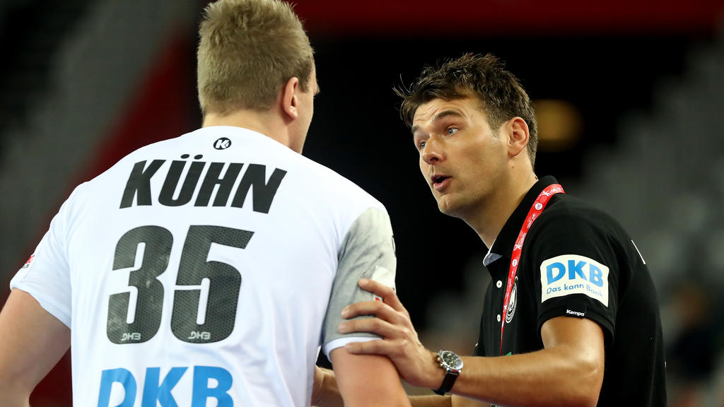 Nationalspieler Julius Kühn (l.) hat sich am rechten Knie verletzt