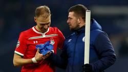 Benedikt Höwedes (l.) sieht Chancen für seinen Ex-Klub Schalke 04