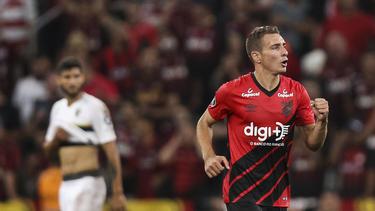 Marco Rubén celebrando uno de sus tres goles. (Foto: Getty)