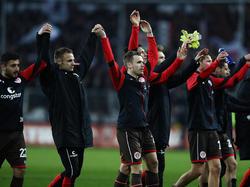 Die Spieler des FC St. Pauli freuen sich über Zuwachs im Trainerteam