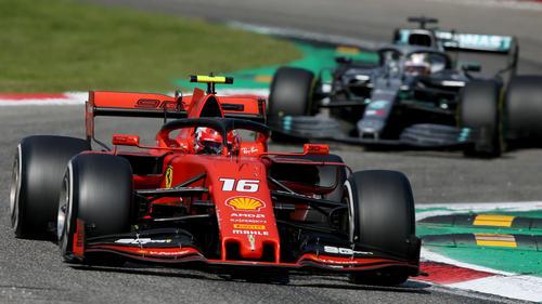 Charles Leclerc und Lewis Hamilton lieferten sich in Monza ein heißes Duell