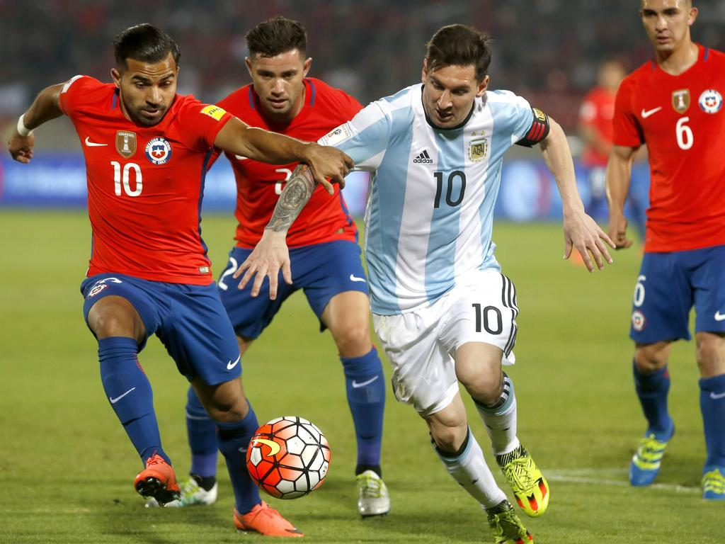 Mundial Clas. Sudam. » Noticias » Argentina y Chile juegan en la cornisa