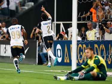 Edu Dracena (2) abrió el marcador para el Corinthians. (Foto: Getty)
