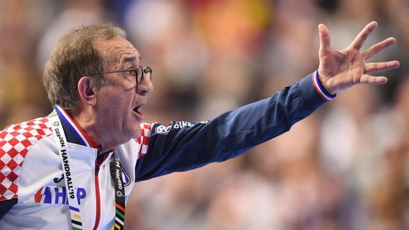 Kroatiens Trainer Lino Cervar regte sich über die Schiedsrichter auf