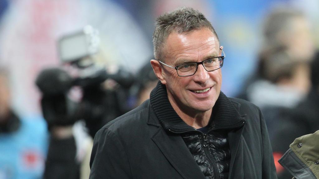 Tritt mit RB Leipzig gegen einen angeschlagenen VfB an: Trainer und Sportdirektor Ralf Rangnick