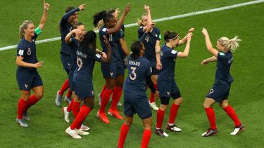 Frankreich ist mit einem souveränen Sieg in die WM gestartet