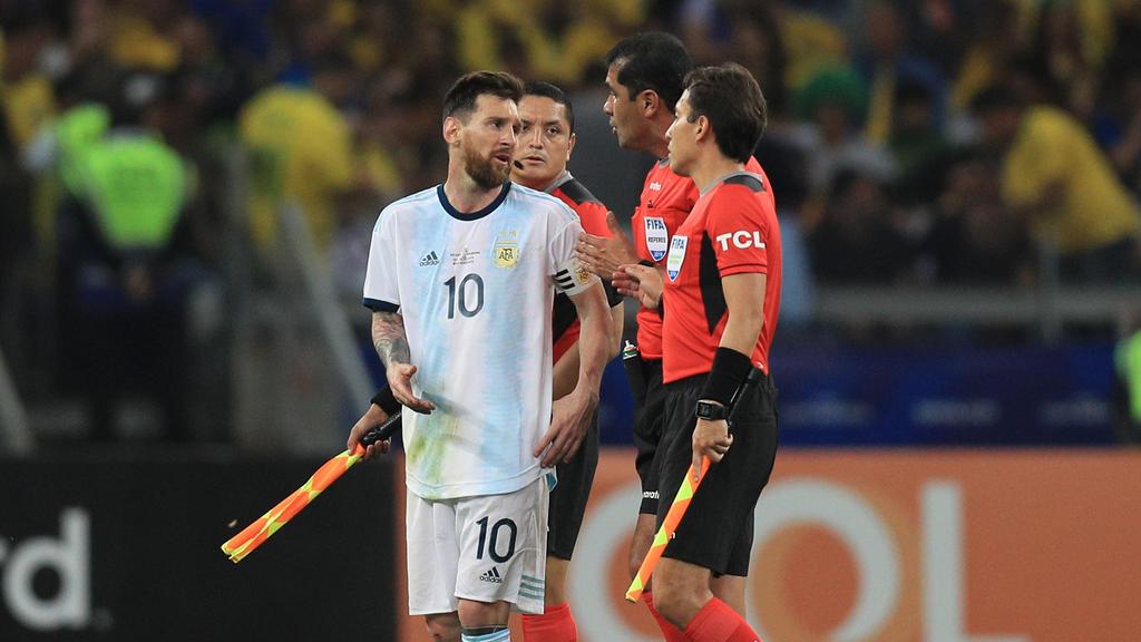 Lionel Messi beschwerte sich bei den Schiedsrichtern