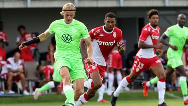 Sebastiaan Bornauw startete beim VfL Wolfsburg unglücklich