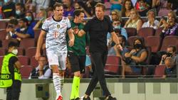 Leon Goretzka (l.) bleibt langfristig beim FC Bayern