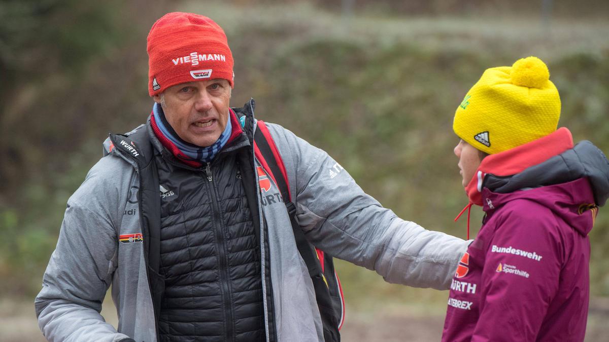 Frauen-Trainer Andreas Bauer freut sich auf die Großschanze