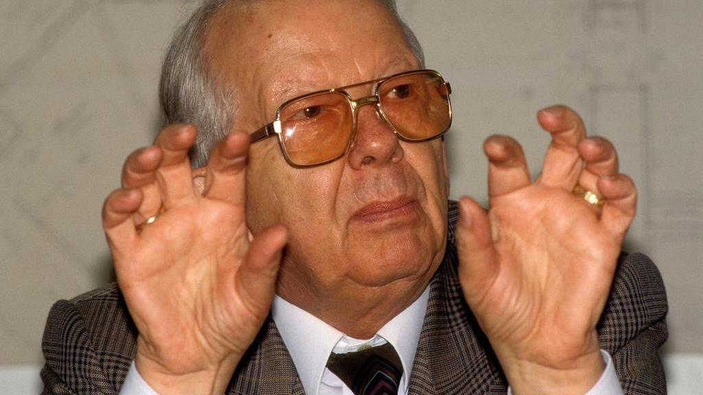 Zwischen 1975 und 1992 stand Hermann Neuberger dem DFB vor
