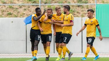 Dynamo Dresden zieht in die zweiten Runde des DFB-Pokals ein