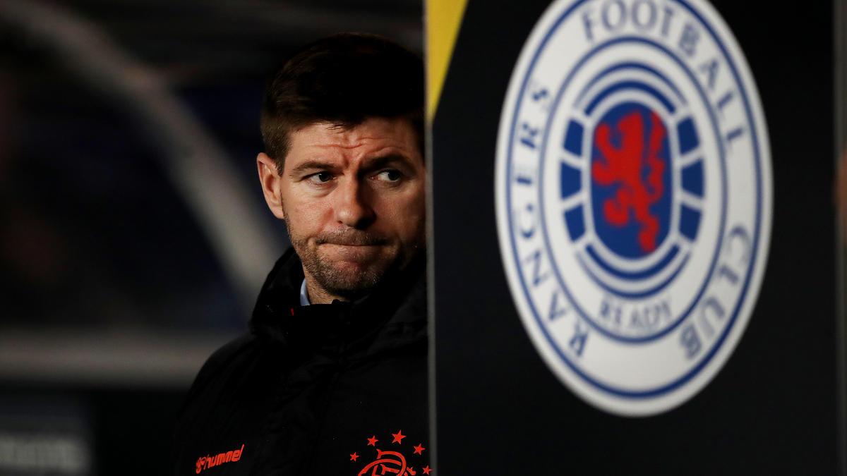 Steven Gerrard verlängerte seinen Vertrag