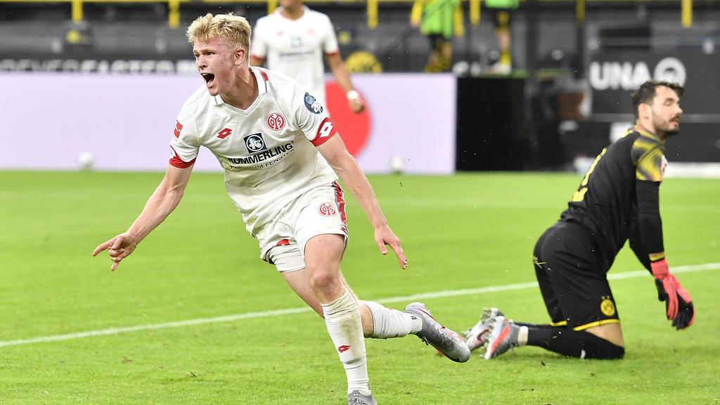 Youngster Burkardt bejubelt seinen Treffer
