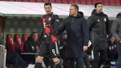Robert Lewandowski (l.) steht dem FC Bayern weiter zur Verfügung