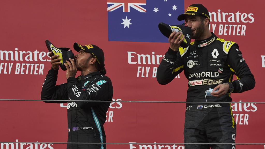 Lewis Hamilton (l.) ist laut Daniel Ricciardo (r.) nicht völlig unschlagbar