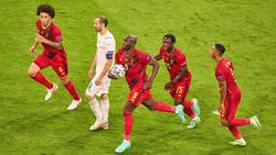 Jeremy Doku (2.v.r.) soll beim FC Bayern auf dem Zettel stehen