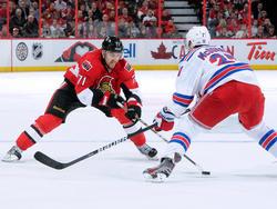 Ottawa Senators' Nick Folingo gegen Ryan McDonagh von den New York Rangers