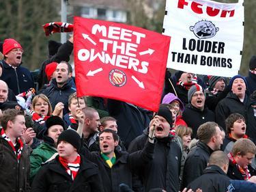 Meet the owners: Triff die Besitzer. Die Anhänger des FC United sind gleichzeitig deren Eigentümer
