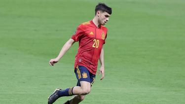 Der jüngste Spanier, der bisher bei einer Fußball-EM zum Einsatz gekommen ist: Pedri in Aktion