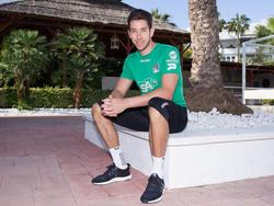 De nieuwe doelman van NEC Nijmegen, Brad Jones, wordt tijdens het trainingskamp in Marbella op de foto gezet. (06-01-2016)